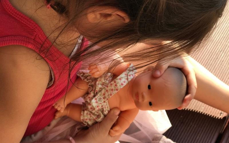 Lalka Miniland – wybór i wyrób doskonały